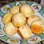 Brazilian Cheese Bread - Pão de Queijo