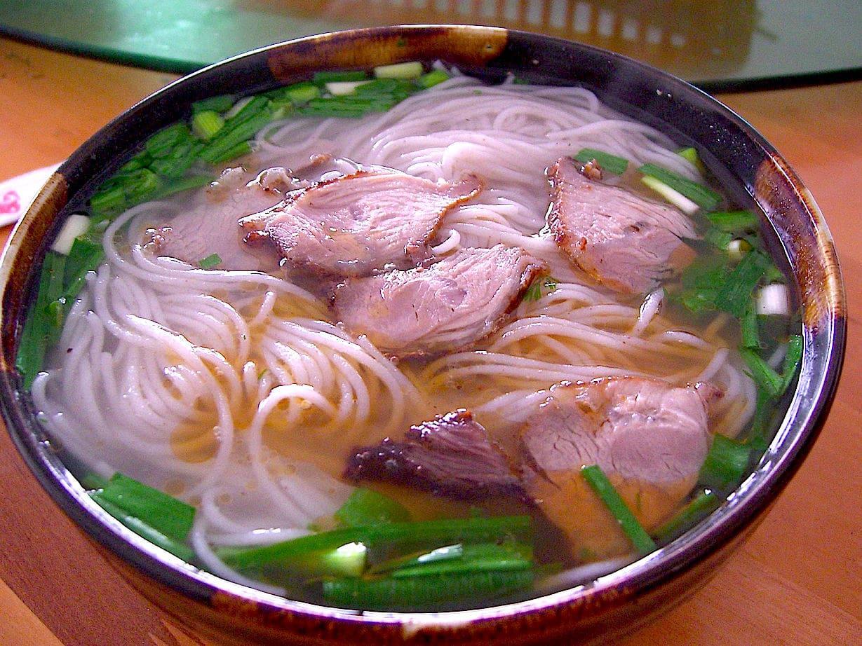 The Hirshon Yunnan Crossing the Bridge Noodles – 过桥米线