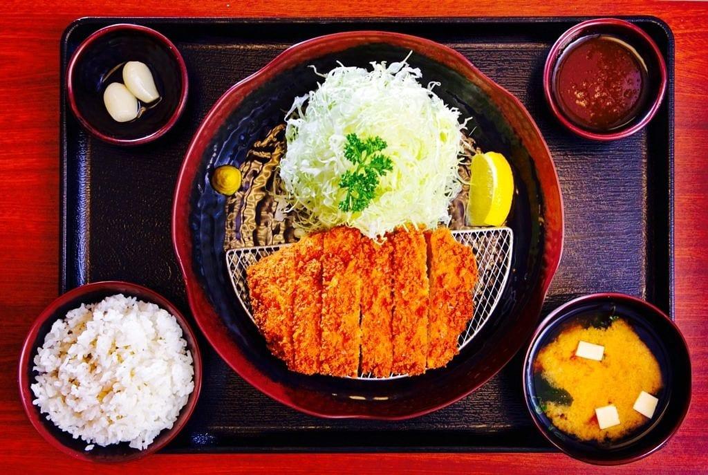 The Hirshon Tonkatsu - 豚カツ
