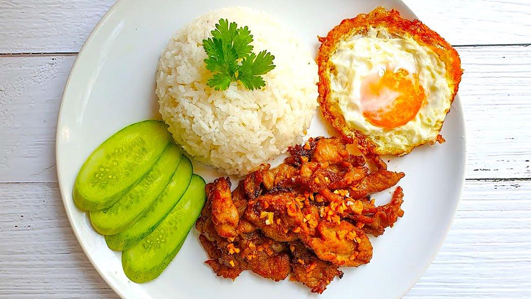 The Hirshon Thai Pork with Garlic and Pepper - หมูทอดกระเทียมพริกไท
