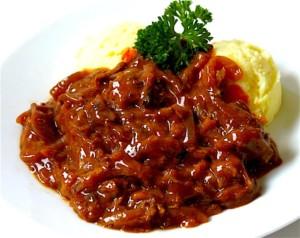 The Hirshon Dutch Beef Stew – Hachée