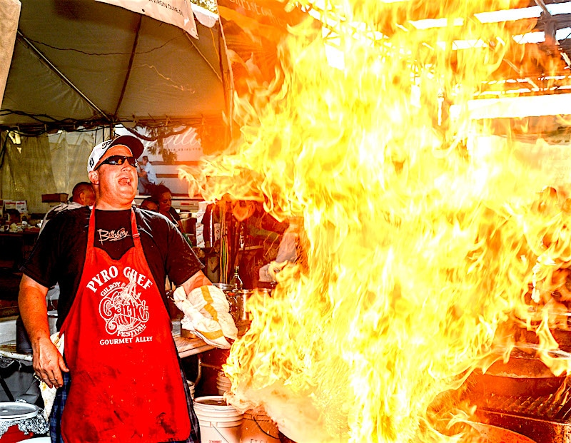Gilroy Garlic Festival Pyro Chef In Action!