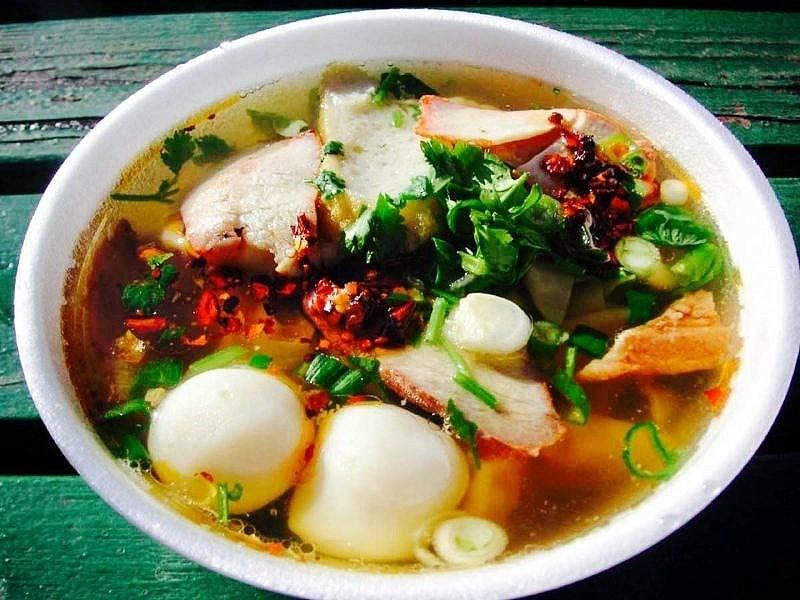 The Hirshon Thai Wor Wonton Soup - เกี๊ยวน้ำ