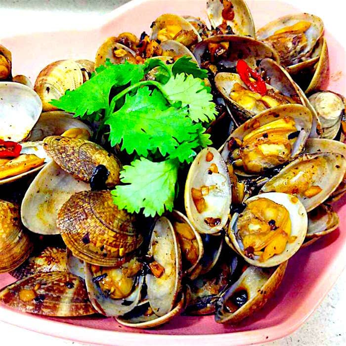 The Hirshon Stir-Fried Clams with Black Bean Sauce - 豉椒炒蜆