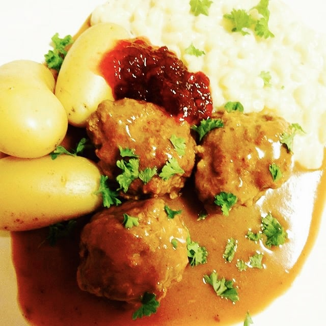 The Hirshon Norwegian Meatballs with Gravy - Kjøttkaker Med Brunsaus