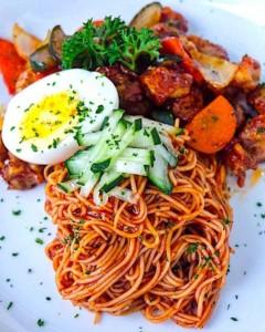 Hubert's Cold Korean Noodles With Bulgogi – 비빔면