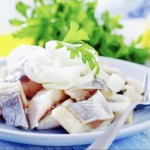 The Hirshon Jewish Pickled Herring with Onions in Sour Cream - זויער העררינג