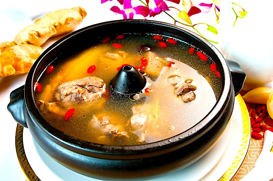 The Hirshon Yunnan Steamed Chicken Soup – 汽鍋雞