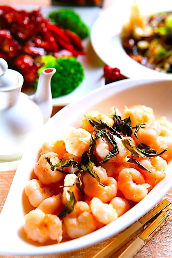 The Hirshon Hangzhou Dragon Well Green Tea Shrimp - 龍井炒蝦仁