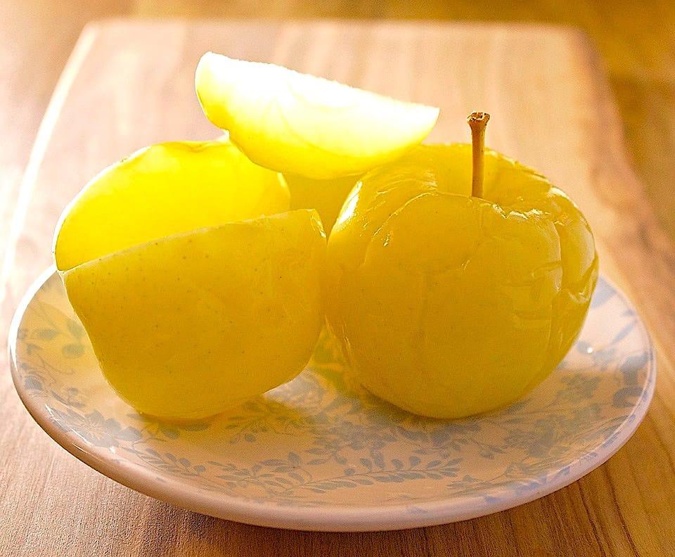 The Hirshon Russian Brined Apples – ясные яблоки