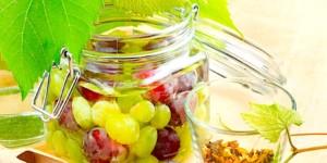 The Hirshon Georgian Spiced Pickled Grapes With Herbs – დამარინადებული ყურძენი