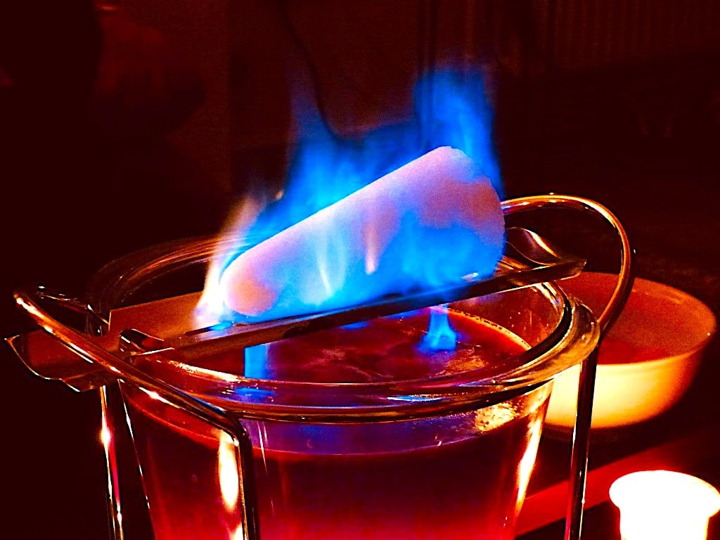 The Hirshon German Flaming Mulled Wine - Feuerzangenbowle