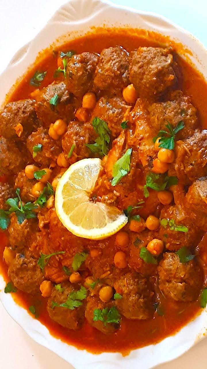 The Hirshon Algerian Garlic Meatballs in Spicy Red Garlic Sauce - مثوم مع صلصة الثوم الأحمر