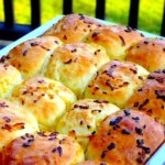 Ratner's Famous Onion Rolls