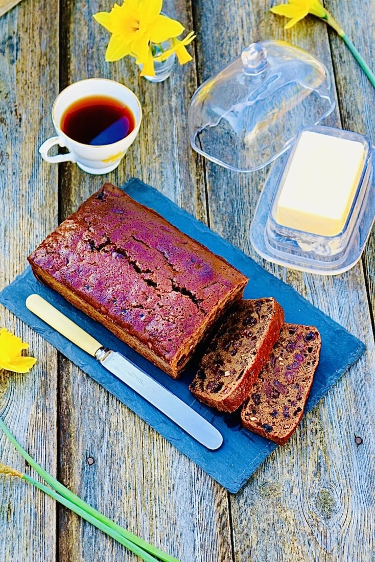 The Hirshon Welsh Tea Cake with Fruit - Bara Brith