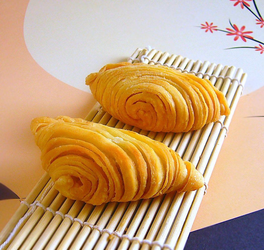 The Hirshon Southeast Asian Spiral Curry Puff - Karipap Pusing, 螺旋咖喱角
