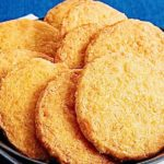 Aunt Sue's Ultimate Texas Spicy Cheese and Pecan Wafers