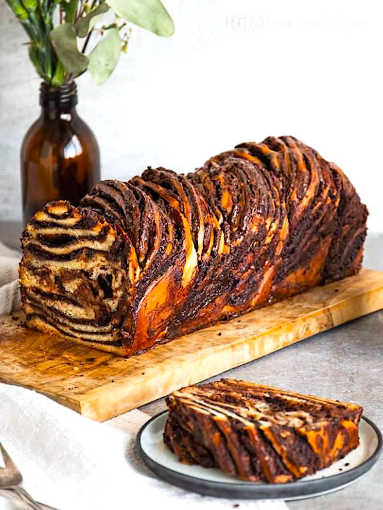 The Hirshon Jewish Chocolate Chestnut Babka - באַבקע