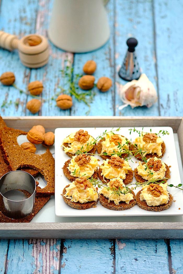 The Hirshon Polish Garlic Cheese Spread In The Style Of Krakow – Krakowska Pasta Serowo-Czosnkowa